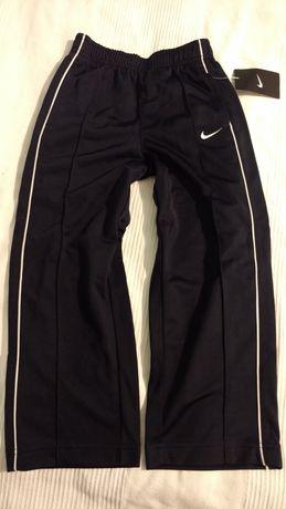Nowe spodnie dresy Nike na 5 lat okazja