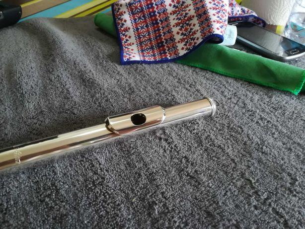 Vendo flauta transversal Altus 1007