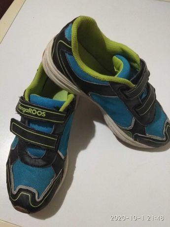 Кроссовки на липучках фирмы kanga Roos