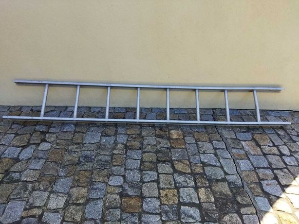 Escada alumínio 2m80 cm