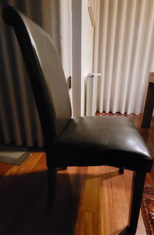 8 Cadeiras de sala de jantar em pele em otimo estado