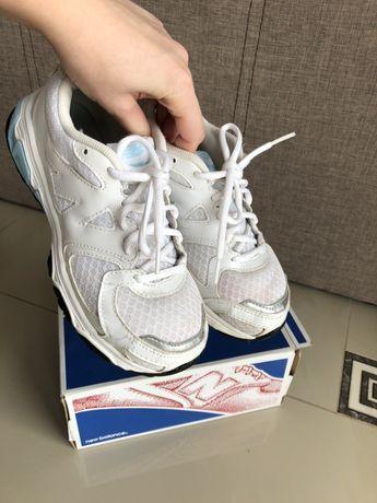 Детские кроссовки new balance 35,5 размер оригинал
