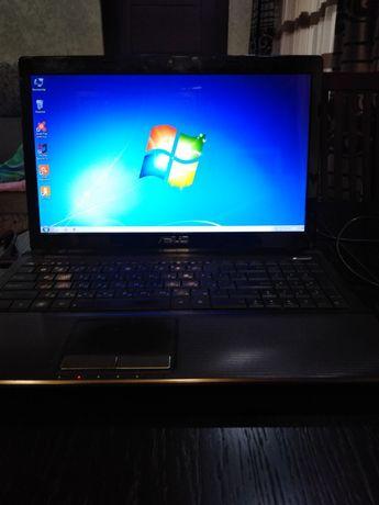 Ноутбук модель ASUS