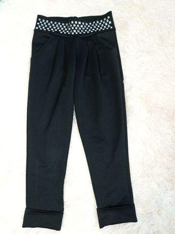 Чорні брюки,еластична тканина
