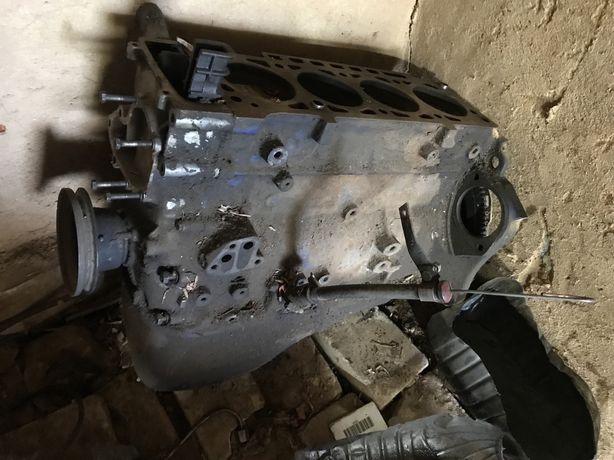 Двигатель м10 1.6 bmw e21 на запчасти