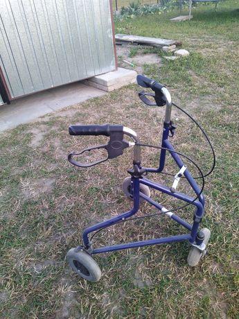 Wózek rehabilitacyjny trój kołowy