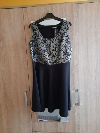 Sukienka czarna wzory