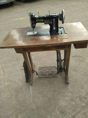Maquina de costura antiga Necchi