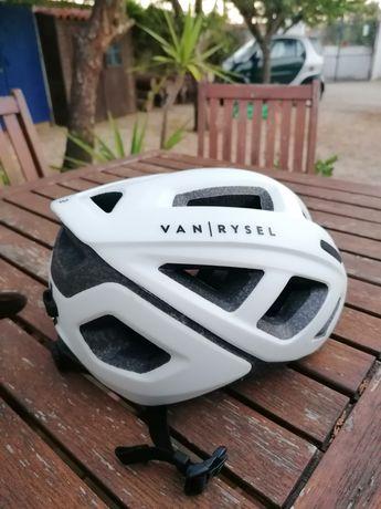 Capacete ciclismo Van Rysel