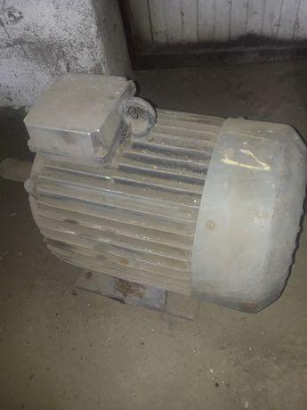 Silnik elektryczny 11 kw 2940 obr.