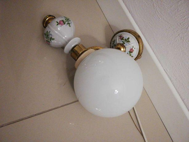 Stara lampka na ścianę, kinkiet