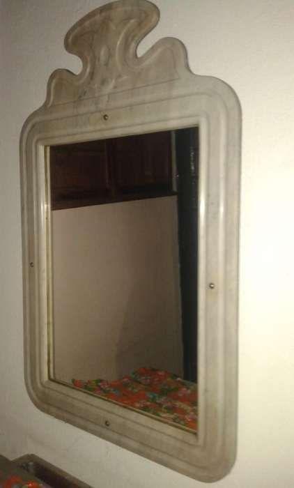 Espelho em Mármore