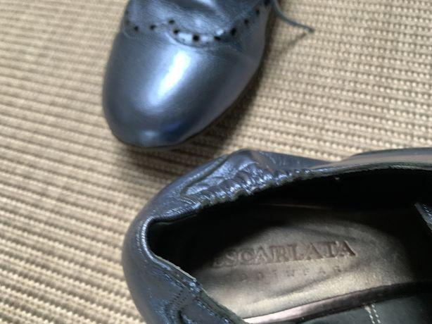 Sapatos em pele Escarlata em azul metalizado 39