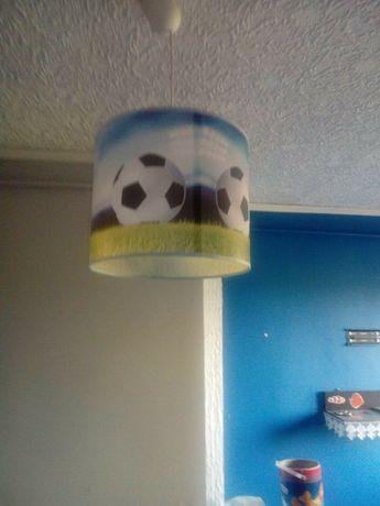 Lampa sufitowa chłopiec