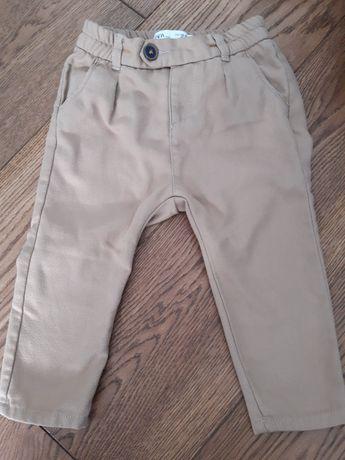 Jasnobeżowe spodnie Zara