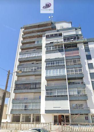 T2 com parqueamento - Torre S.Bernardo - Setúbal