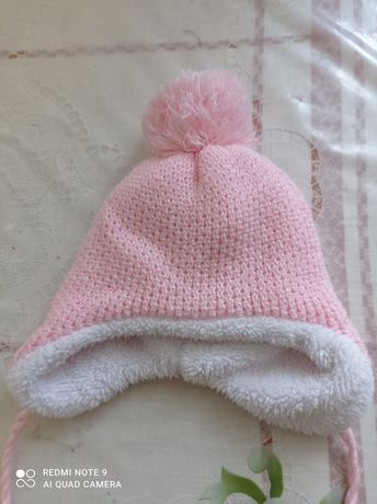 Зимова шапка на дівчинку від народження до 6 місяців