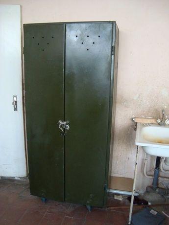 Продам металлический шкаф роздевалка. 071 313 52 35