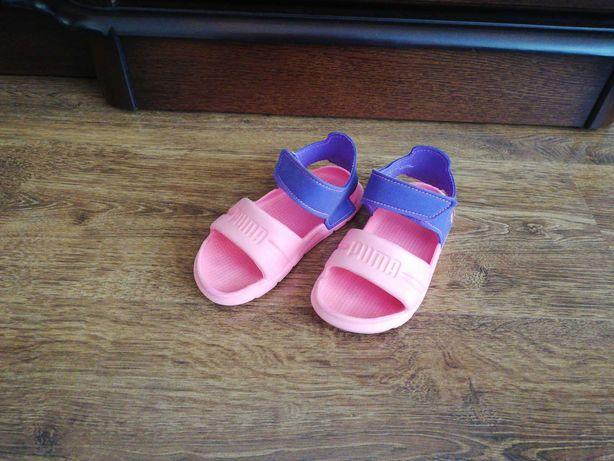 Sprzedam sandałki sportowe PUMA dla dziewczynki rozmiar 25