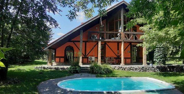 Продам дом-ШАЛЕ в живописном месте. Бассейн, сауна, беседка, 14 соток.