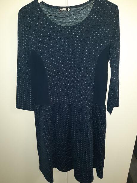 Sukienka w kropki firmy Sinsay