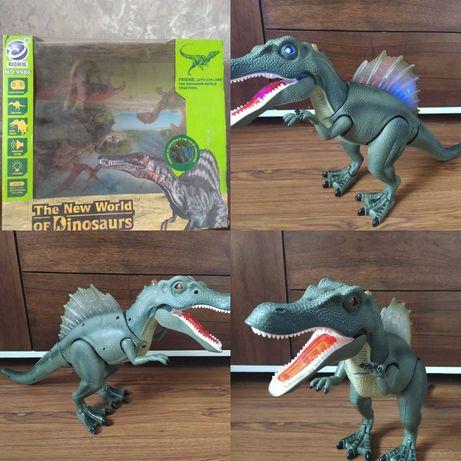 Динозавр на пульту