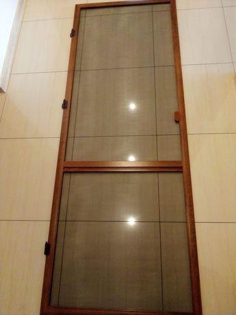 Moskitiera okienna balkonowa