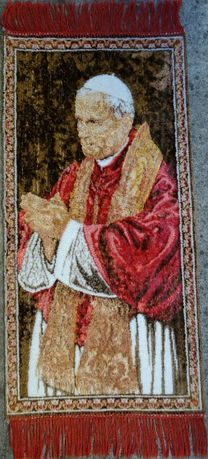 Makata z Janem Pawłem Drugim, Dekoracja Jan Paweł II tapiseria