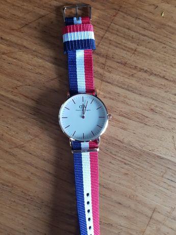 Zegarek dw daniel wellington na pasku złoty