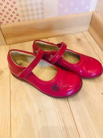 Продам туфельки Clark