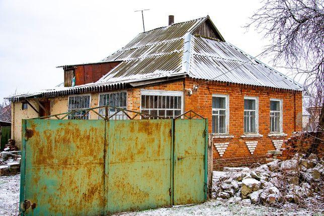 Продам дом в центре села Феськи