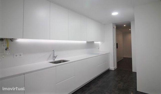 Apartamento T3 - Garagem - Vale das Flores