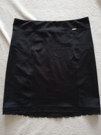 Modelująca, wyszczuplająca bielizna, halka pod spódnicę. H&M, roz. M