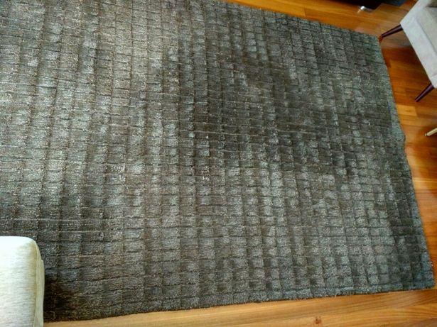 Tapete 60% lã+ 40% viscose, medida 2,90x 1,90mt, castanho mesclado