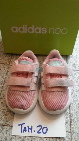 Ténis Adidas menina tamanho 20 tons pastel