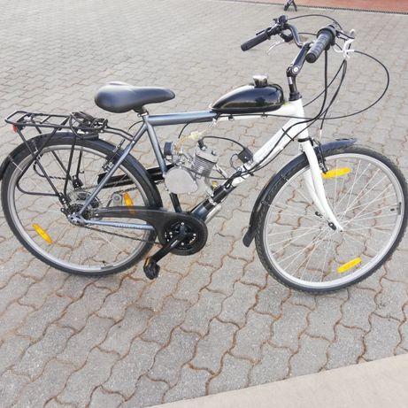 Bicicleta com motor a gasolina