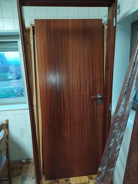 Porta madeira mogno interior