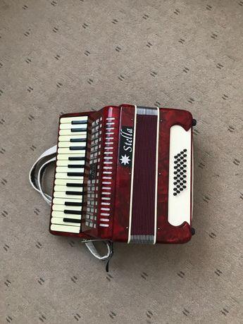 Akordeon Stella, używany w znakomitym stanie