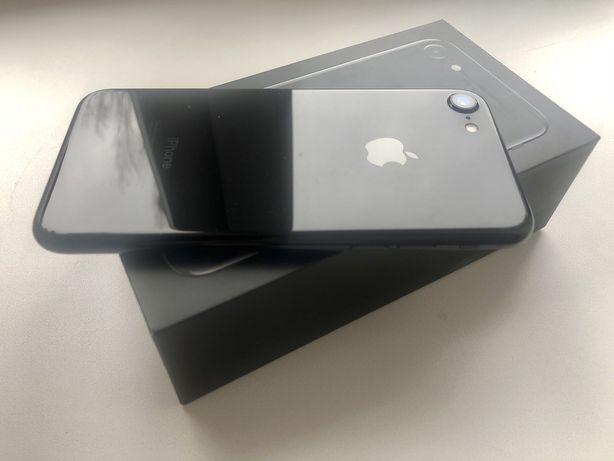 Продам iPhone 7 128Gb Jet Black Neverlock
