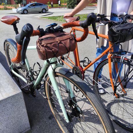 Bolsa em pele de guiador - vintage bikepacking gravel handlebar bag