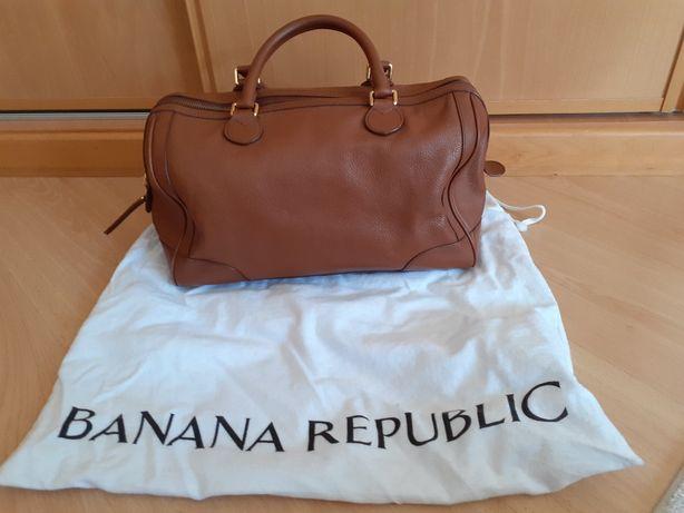 Mala formato saco viagem em Pele Castanha Banana Republic