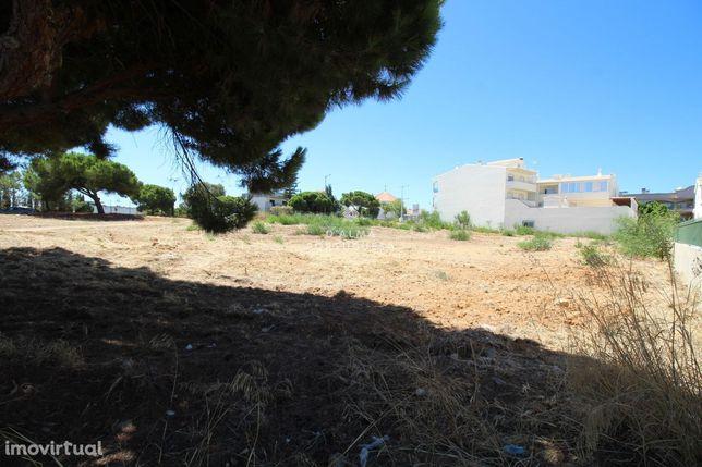 Lote de Terreno para construção Urbana a 600m da Praia