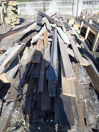 Drewno po rozbiórce domu na opał