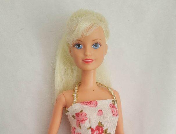 Stara lalka Sindy jak Barbie blondynka w sukience