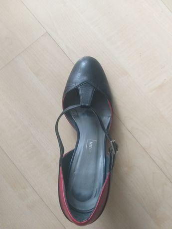 Шкіряні туфлі. Іспанія
