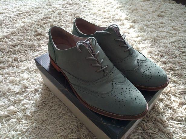 Туфли броги.