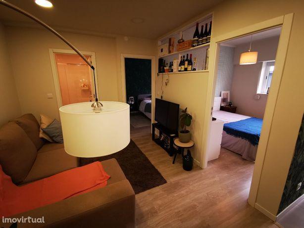 Compre T2 Renovado Gaia Câmara