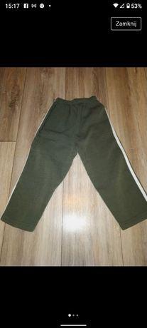 Spodnie dresowe dla chłopca rozmiar 98-104