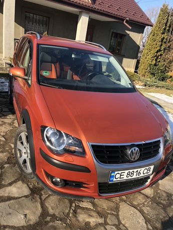Volkswagen touran cross avtomat