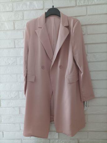 Płaszcz w kolorze brudny róż rozmiar XL